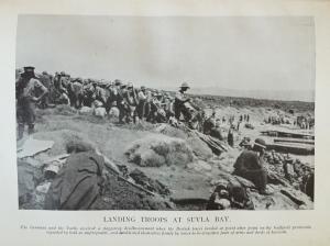 Landing troops at Suvla Bay